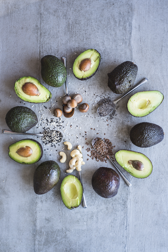 Intuitive eating & Pegan Diet by Healthy Laura Food photography & styling. @healthylauracom HealthyLaura importance of healthy fats to keep full. Control appetite with healthy fats such as avocado, nuts & seeds. #intuitiveeating #peagandiet #healthycooking #healthyrecipes
