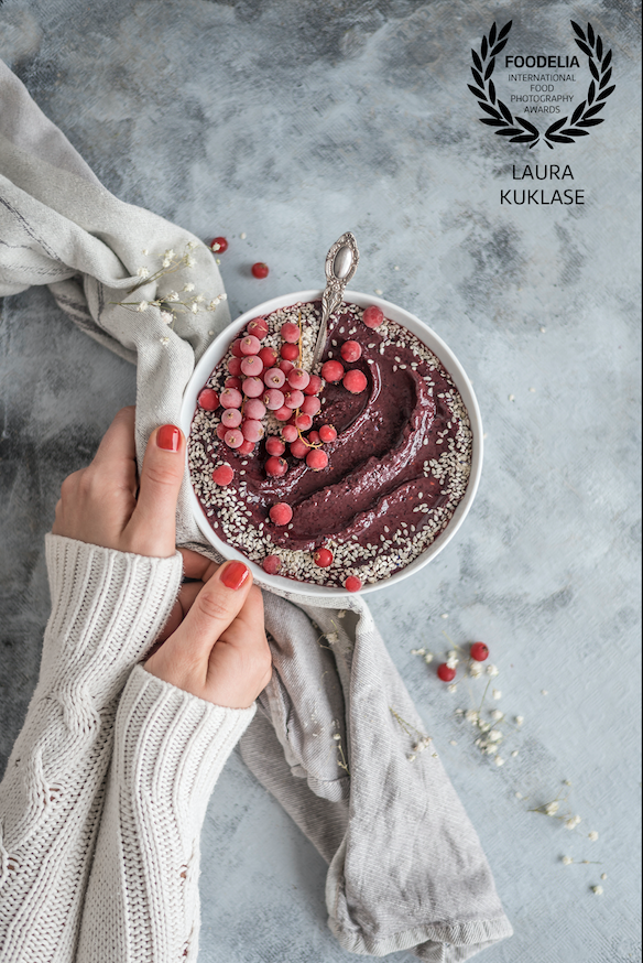 Acai Bowl by Healthy Laura Food Photography & Styling & international food photography awards winner